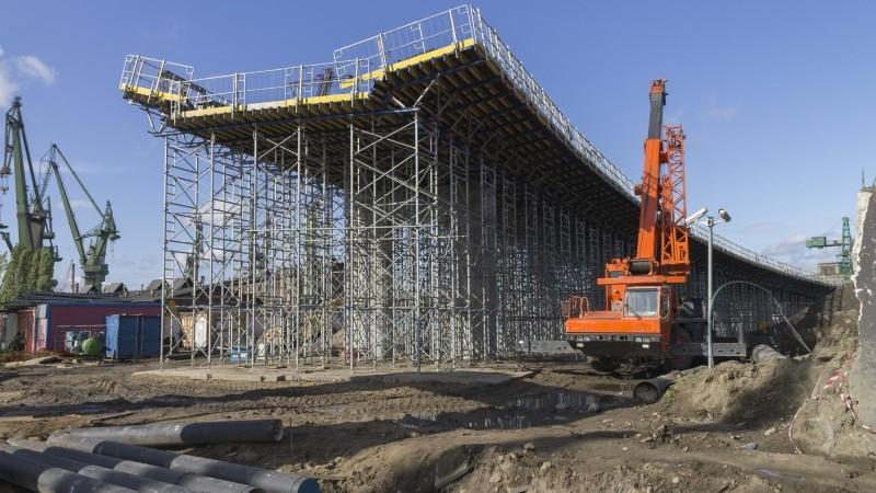 Polish production remains strong before second wave