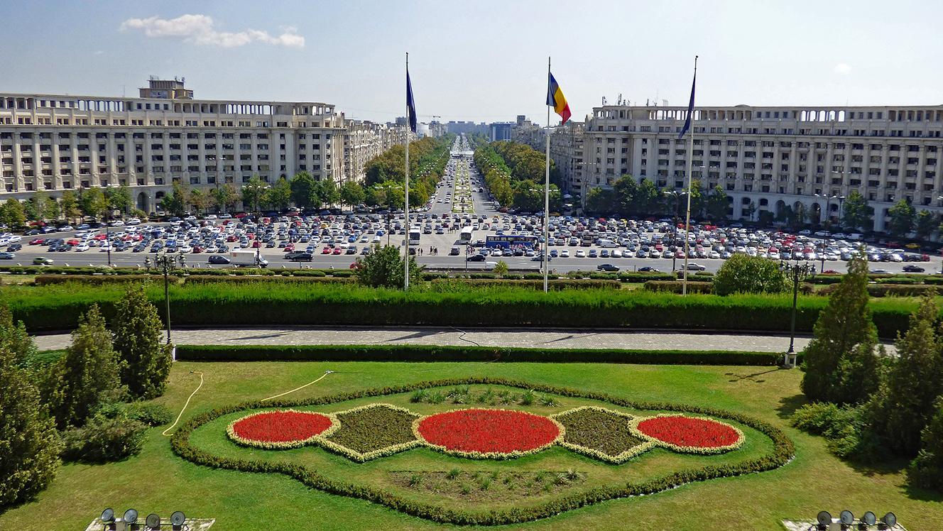 Romania's market-friendly coalition splits, minority government beckons