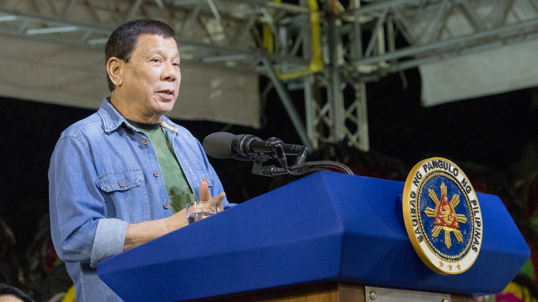 Philippines cuts tax rate, reform upside in Duterte's last year