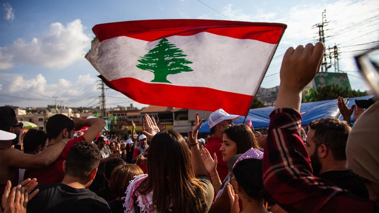 Lebanon on the edge, Ukraine central bank crisis and Ecuador's alternative plan