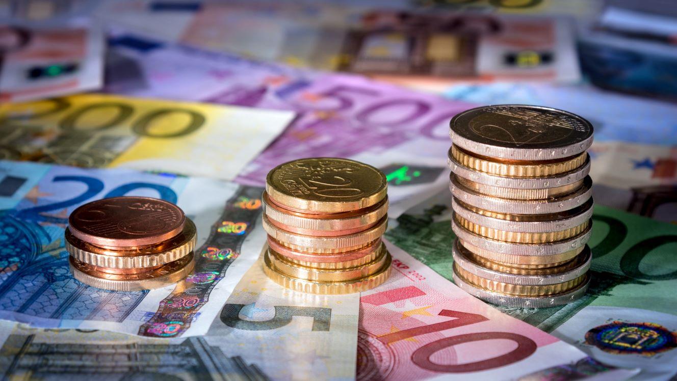Euro targets six-year high against US dollar